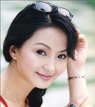 香妃饰演者刘丹个人资料及近况和图片刘丹是车祸去世的吗