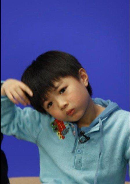 """""""00后""""童星 孙天宇出生于2002年7月2日 孙天宇因出演了刘仪伟执导的电影《火星没事》而被观众所熟知,他的代表作有《天涯赤子心》《妈妈再爱我一次》《当幸福来敲门》等。"""